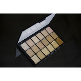 Палитра тонов Fair Sheer Foundation HD Palette Ben Nye 18 цв.